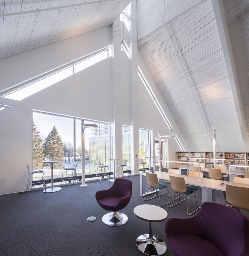 Monique Corriveau-Library